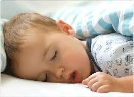 Малыш дышит ртом во время сна