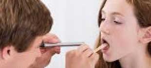 Неприятное ощущение в горле: причины. Дискомфорт и першение