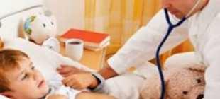У грудничка кашель и насморк без температуры: чем лечить